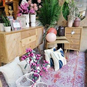 😍🏡Os vais a enamorar de todas nuestras novedades de productos deco.   💐 Tonos beige, rosa palo y verde para dar la bienvenida a la primavera, ¡que nos traiga un poco de alegría!   🛍 Muy pronto todos los detalles de la nueva colección. Os recordamos que podéis visitarnos en la tienda física o comprar a través de nuestra tienda online (link bio)  #springisintheair #homedecor #homedeco #homesweethome #tiendadeco #tiendadecoracion #decohome